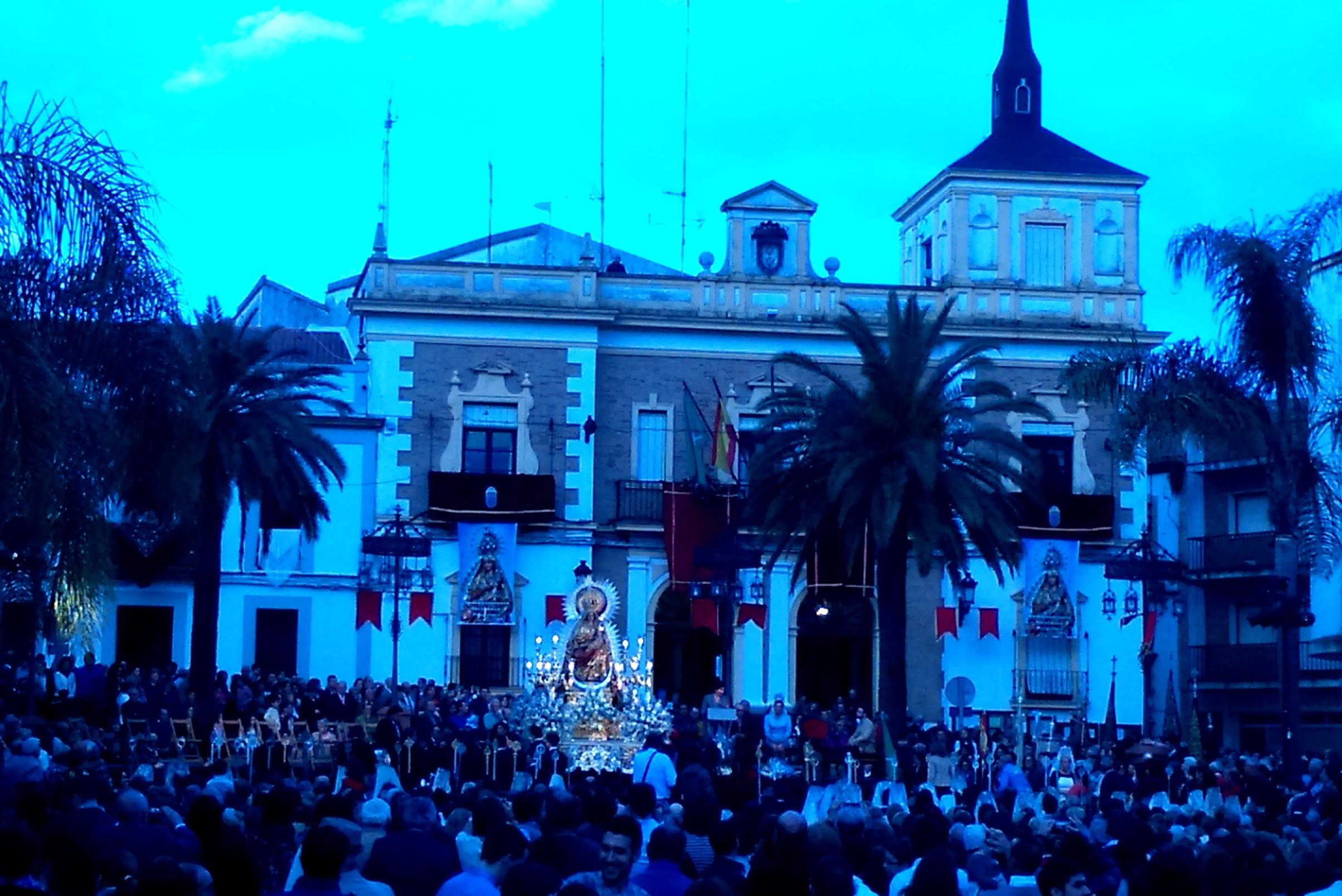 150425_Nombramiento alcaldesa perpetua a la Virgen del Reposos